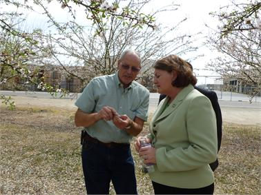 Grower Dave Phippen and Majority Leader Toni Atkins (D-San Diego)